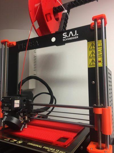 prusa 3D-Drucker während dem Druckvorgang einer Palette