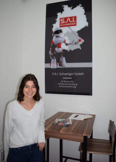 Neue Mitarbeiterin im Design bei der Firma S.A.I. Schweiger
